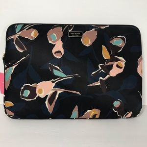 "Kate Spade Dawn Paper Rose 15"" Laptop Sleeve Cover"